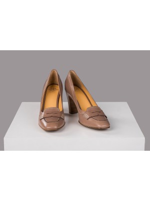 Truman's Pumps in Taupe
